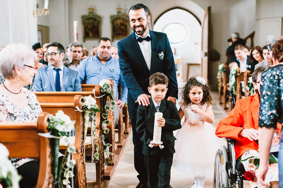 Hochzeit_Kolbermoor_Alte_Spinnerei_Modern_Brautpaar_Multikulturell_Laura_Elena_Photography_012