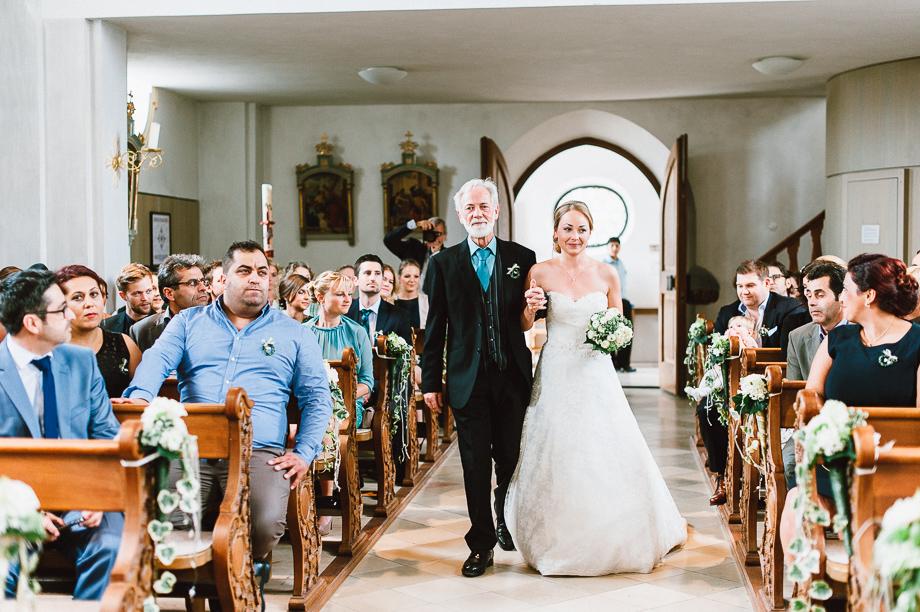Hochzeit_Kolbermoor_Alte_Spinnerei_Modern_Brautpaar_Multikulturell_Laura_Elena_Photography_013