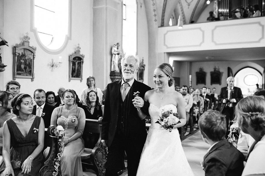 Hochzeit_Kolbermoor_Alte_Spinnerei_Modern_Brautpaar_Multikulturell_Laura_Elena_Photography_015