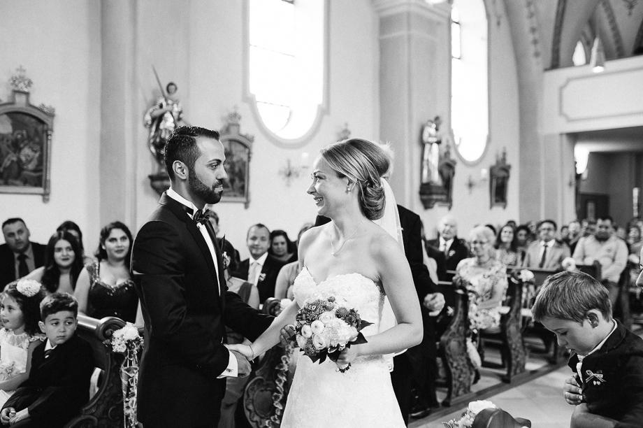 Hochzeit_Kolbermoor_Alte_Spinnerei_Modern_Brautpaar_Multikulturell_Laura_Elena_Photography_016