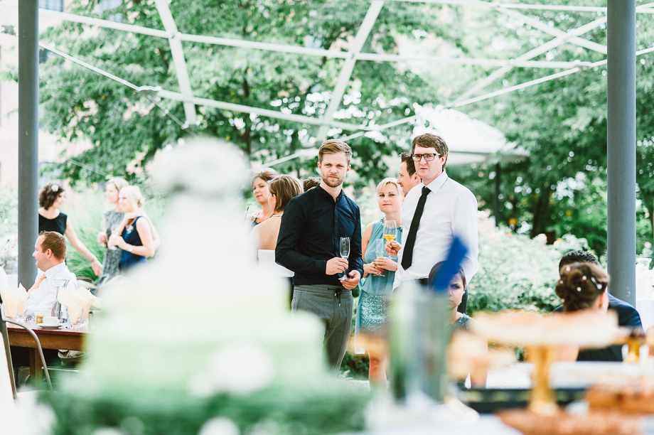Hochzeit_Kolbermoor_Alte_Spinnerei_Modern_Brautpaar_Multikulturell_Laura_Elena_Photography_044