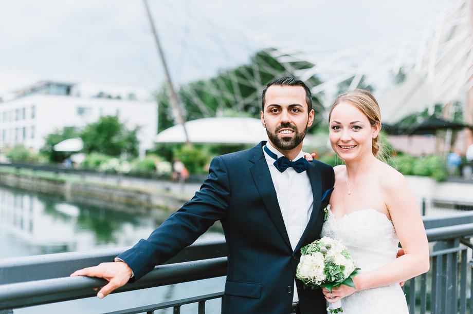 Hochzeit_Kolbermoor_Alte_Spinnerei_Modern_Brautpaar_Multikulturell_Laura_Elena_Photography_070