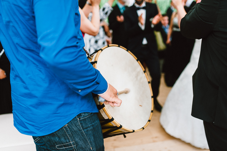 Hochzeit_Kolbermoor_Alte_Spinnerei_Modern_Brautpaar_Multikulturell_Laura_Elena_Photography_083