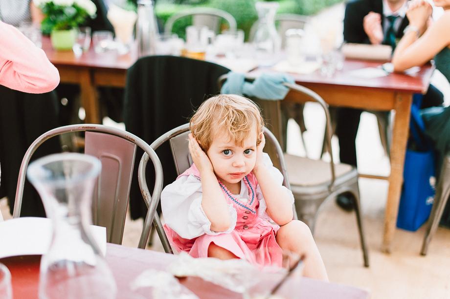 Hochzeit_Kolbermoor_Alte_Spinnerei_Modern_Brautpaar_Multikulturell_Laura_Elena_Photography_087