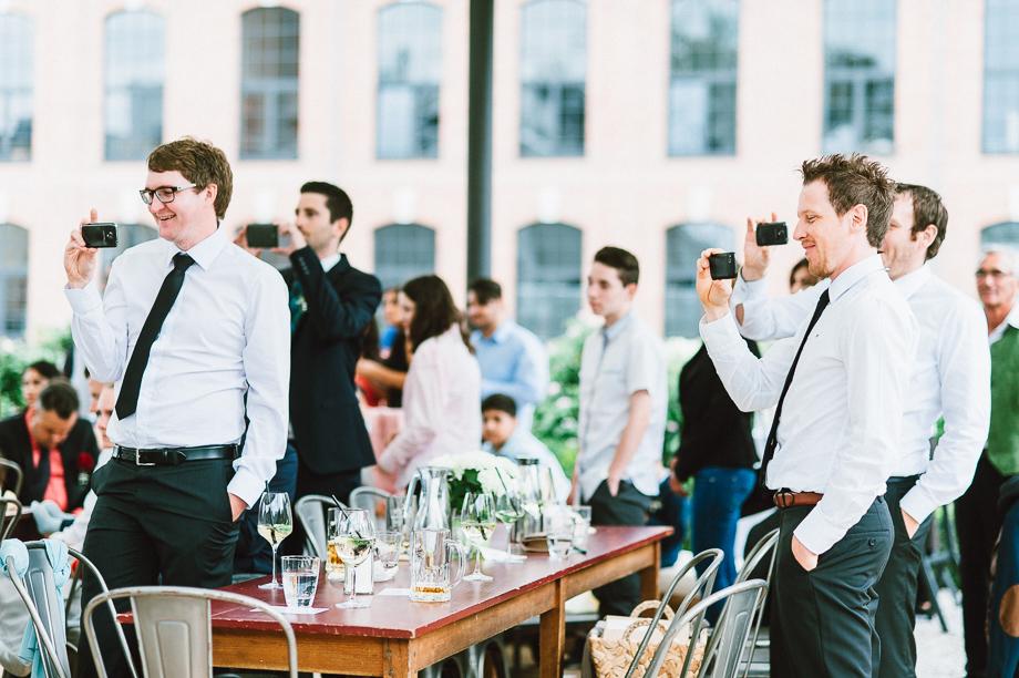 Hochzeit_Kolbermoor_Alte_Spinnerei_Modern_Brautpaar_Multikulturell_Laura_Elena_Photography_102