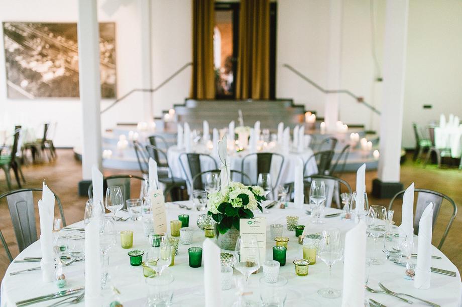 Hochzeit_Kolbermoor_Alte_Spinnerei_Modern_Brautpaar_Multikulturell_Laura_Elena_Photography_108