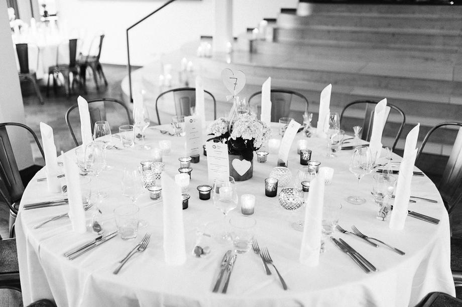 Hochzeit_Kolbermoor_Alte_Spinnerei_Modern_Brautpaar_Multikulturell_Laura_Elena_Photography_114