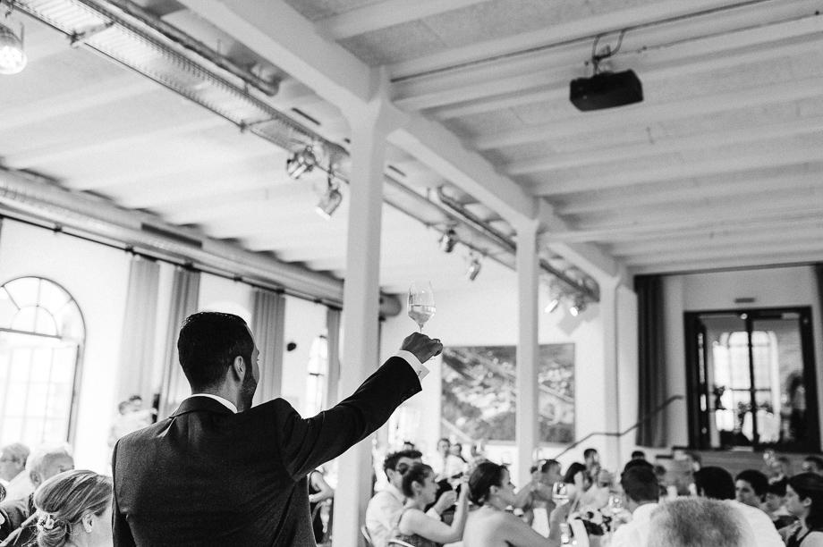 Hochzeit_Kolbermoor_Alte_Spinnerei_Modern_Brautpaar_Multikulturell_Laura_Elena_Photography_123
