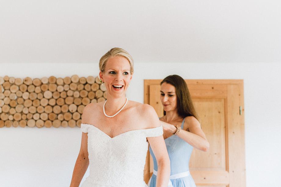 Hochzeit_Tegernsee_Lauraelenaphotography_Lake_Wedding_Freihaus_Brenner_Mountainwedding_Sommerhochzeit_NewYork_Seeblick_020