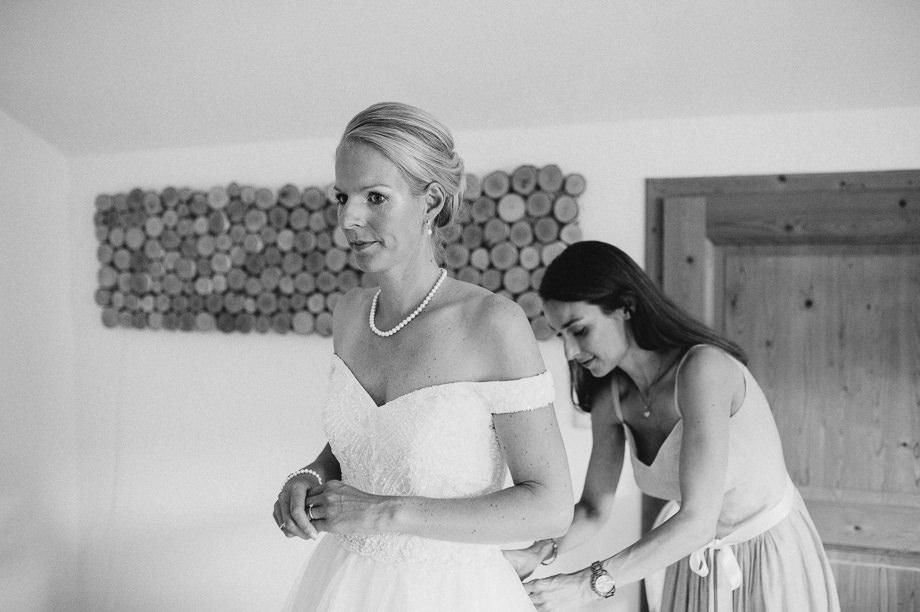 Hochzeit_Tegernsee_Lauraelenaphotography_Lake_Wedding_Freihaus_Brenner_Mountainwedding_Sommerhochzeit_NewYork_Seeblick_023