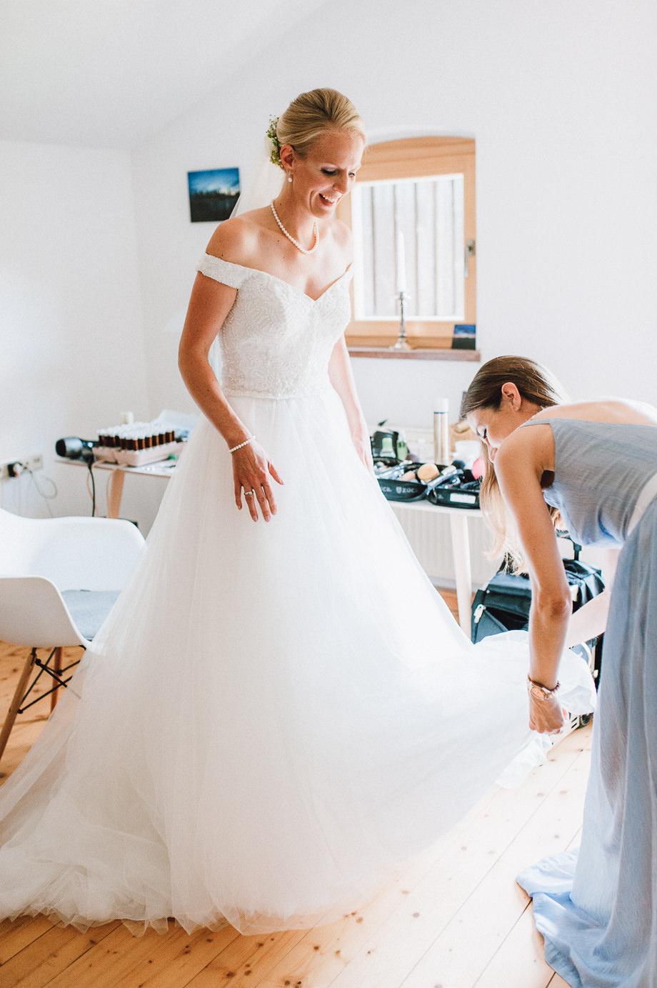 Hochzeit_Tegernsee_Lauraelenaphotography_Lake_Wedding_Freihaus_Brenner_Mountainwedding_Sommerhochzeit_NewYork_Seeblick_026
