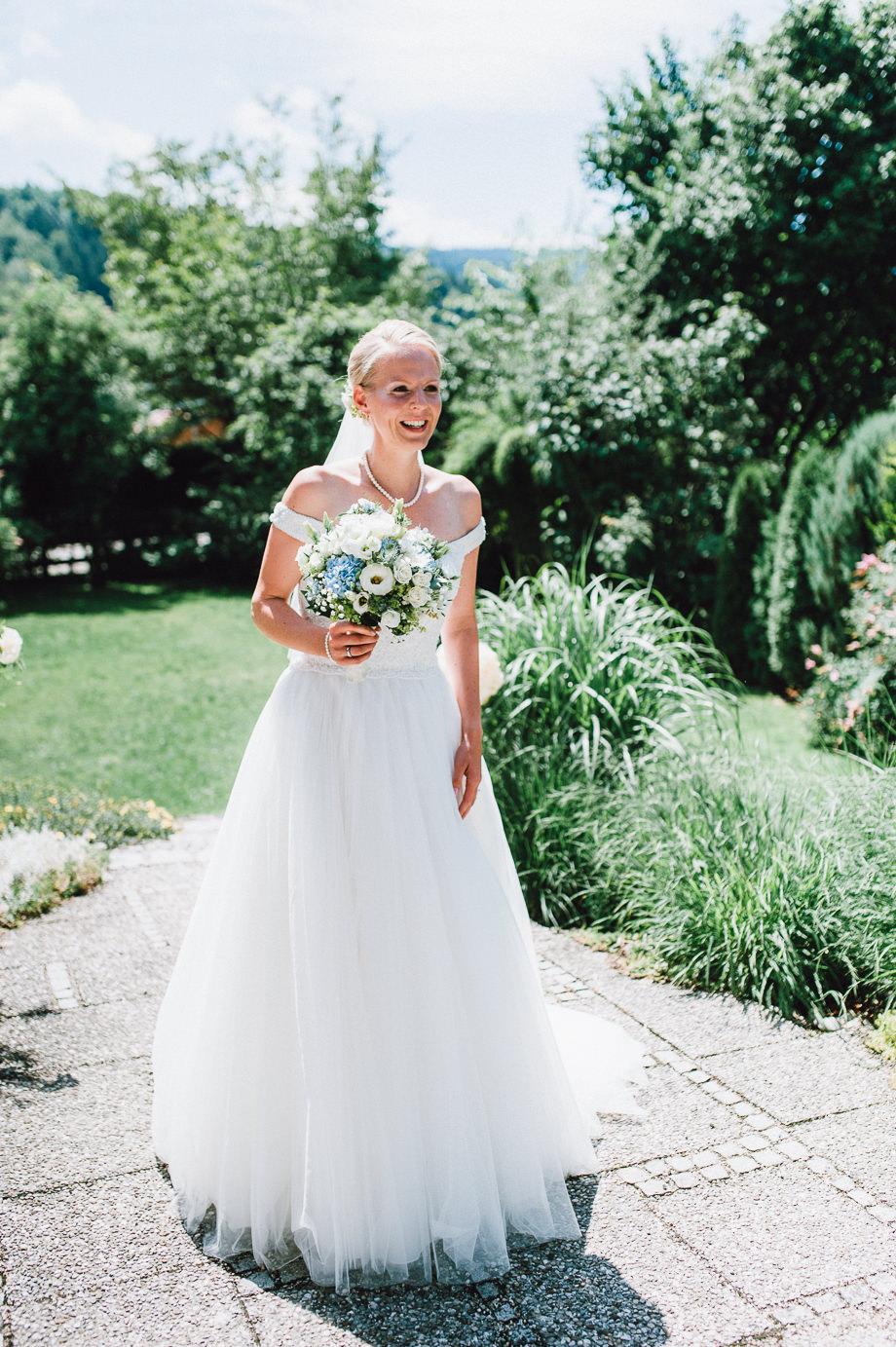 Hochzeit_Tegernsee_Lauraelenaphotography_Lake_Wedding_Freihaus_Brenner_Mountainwedding_Sommerhochzeit_NewYork_Seeblick_031