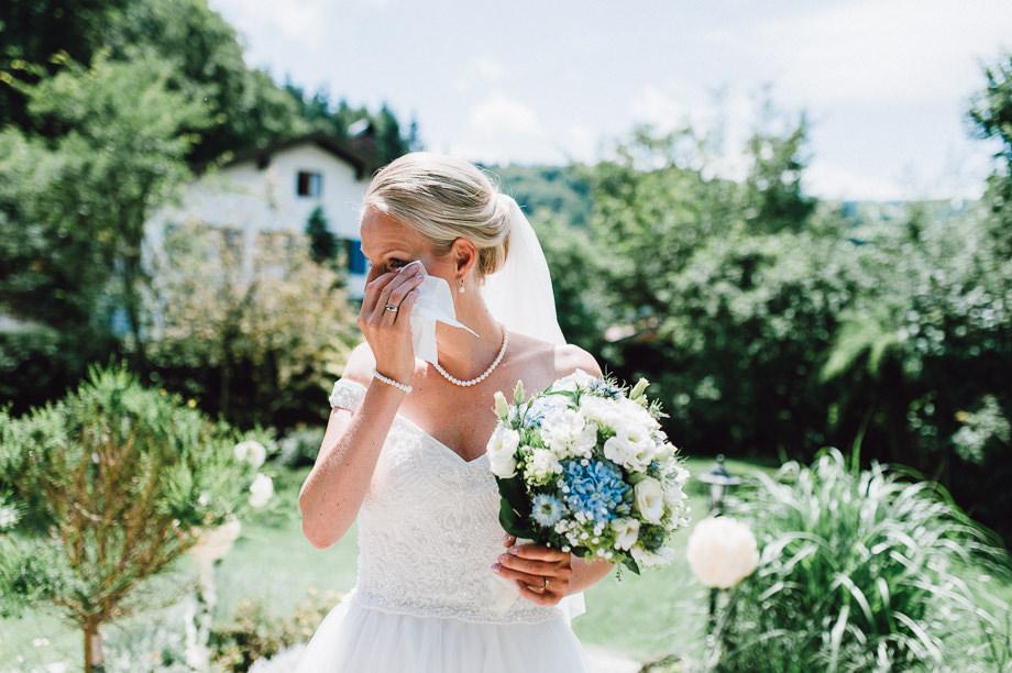 Hochzeit_Tegernsee_Lauraelenaphotography_Lake_Wedding_Freihaus_Brenner_Mountainwedding_Sommerhochzeit_NewYork_Seeblick_032