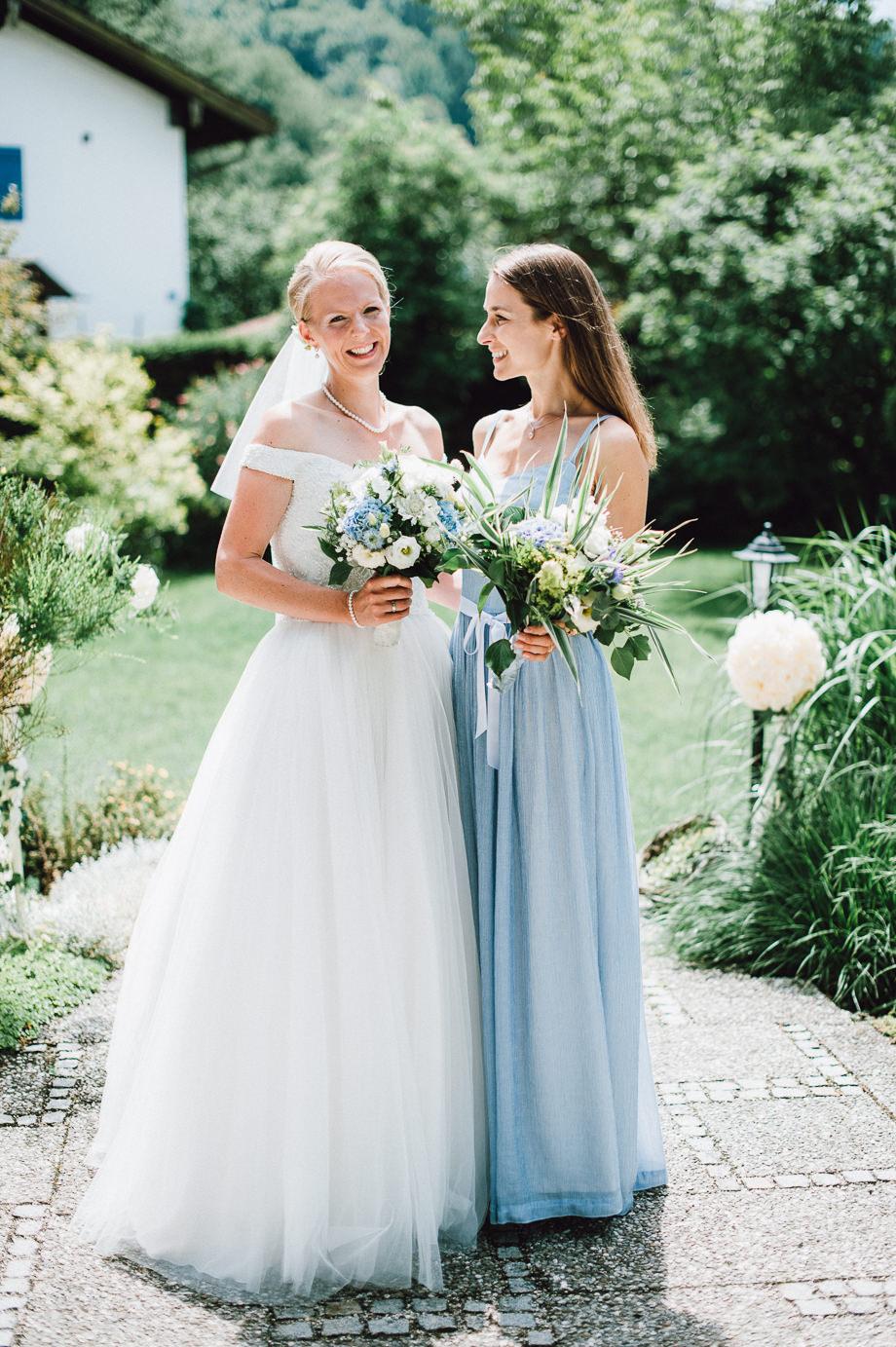 Hochzeit_Tegernsee_Lauraelenaphotography_Lake_Wedding_Freihaus_Brenner_Mountainwedding_Sommerhochzeit_NewYork_Seeblick_035