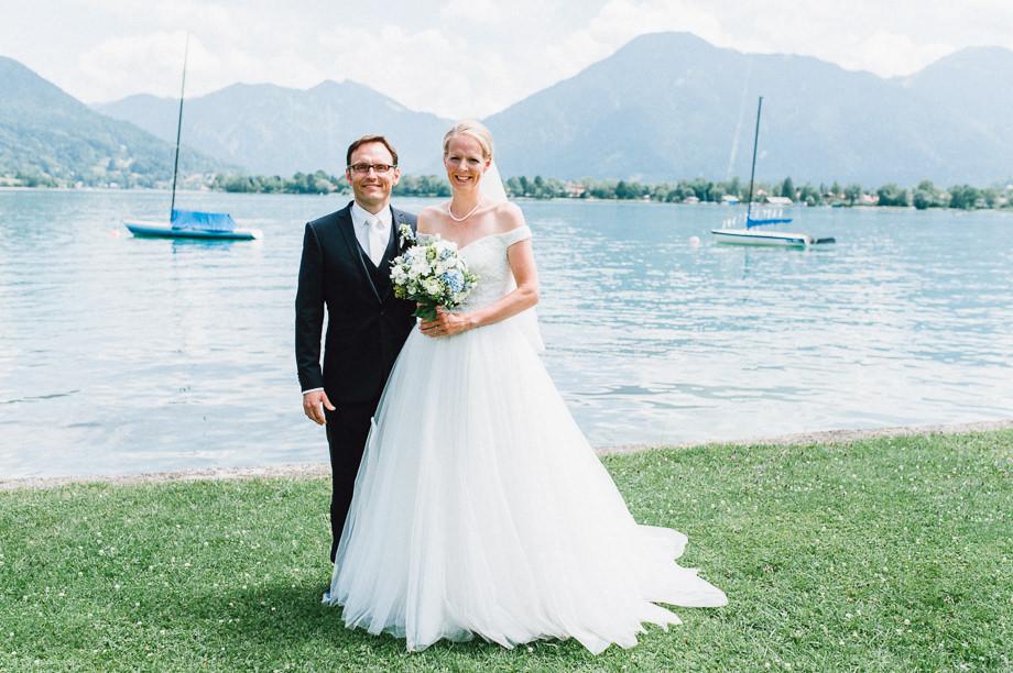 Hochzeit_Tegernsee_Lauraelenaphotography_Lake_Wedding_Freihaus_Brenner_Mountainwedding_Sommerhochzeit_NewYork_Seeblick_040