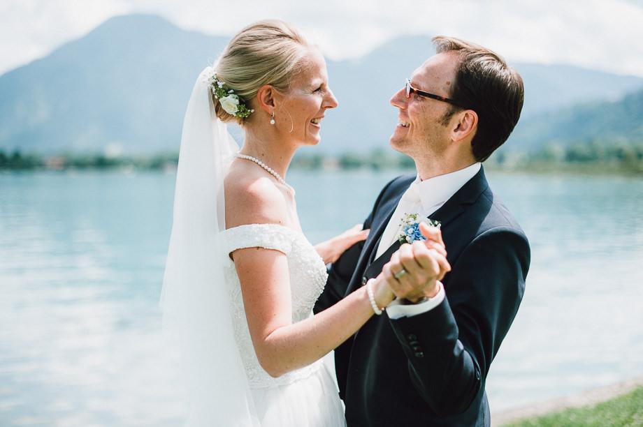 Hochzeit_Tegernsee_Lauraelenaphotography_Lake_Wedding_Freihaus_Brenner_Mountainwedding_Sommerhochzeit_NewYork_Seeblick_043