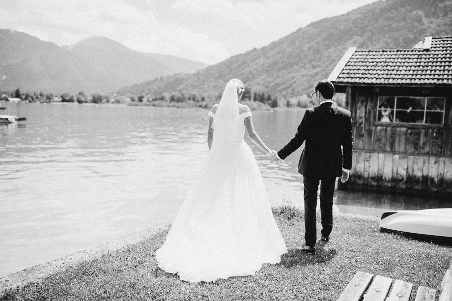 Hochzeit_Tegernsee_Lauraelenaphotography_Lake_Wedding_Freihaus_Brenner_Mountainwedding_Sommerhochzeit_NewYork_Seeblick_044