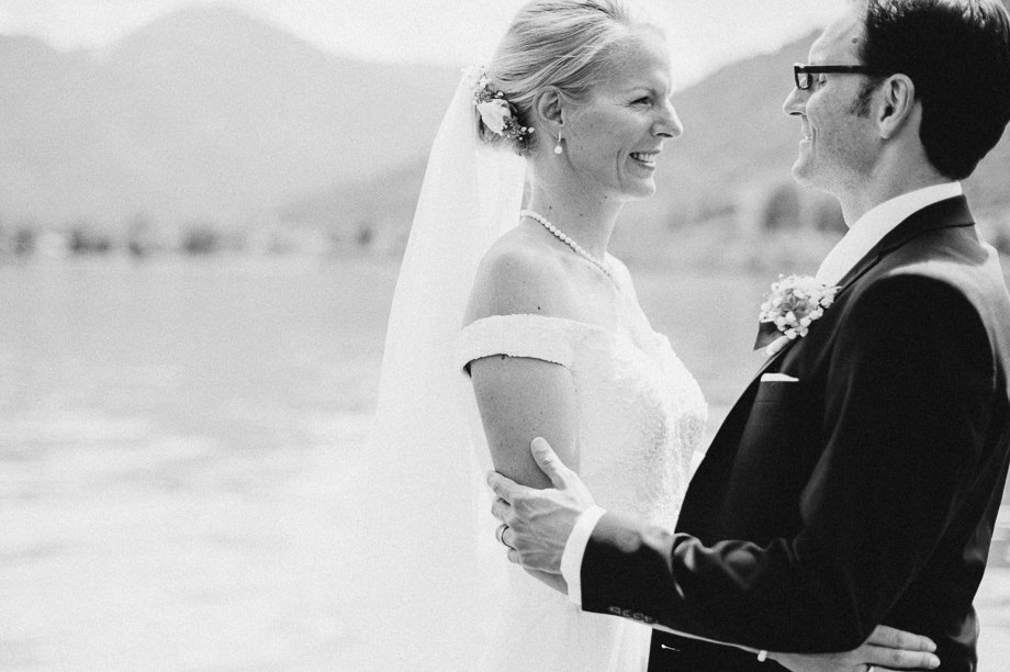 Hochzeit_Tegernsee_Lauraelenaphotography_Lake_Wedding_Freihaus_Brenner_Mountainwedding_Sommerhochzeit_NewYork_Seeblick_045