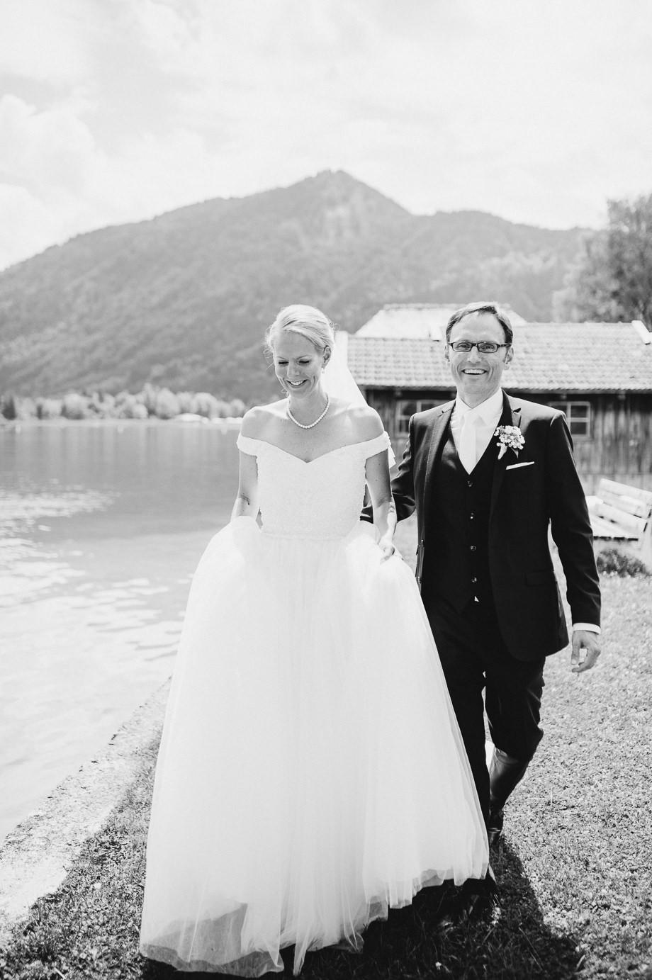 Hochzeit_Tegernsee_Lauraelenaphotography_Lake_Wedding_Freihaus_Brenner_Mountainwedding_Sommerhochzeit_NewYork_Seeblick_048