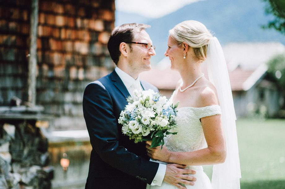 Hochzeit_Tegernsee_Lauraelenaphotography_Lake_Wedding_Freihaus_Brenner_Mountainwedding_Sommerhochzeit_NewYork_Seeblick_050