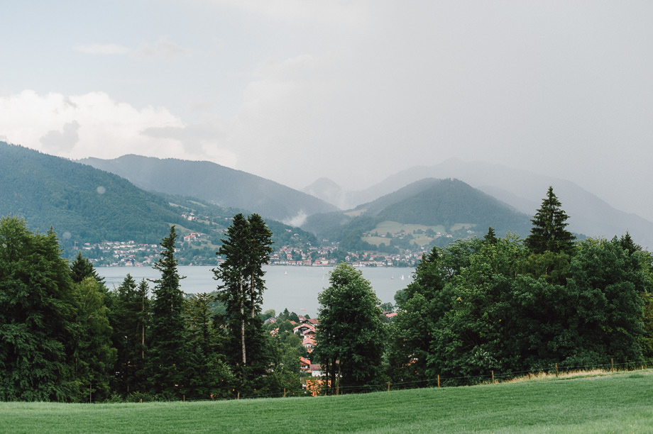 Hochzeit_Tegernsee_Lauraelenaphotography_Lake_Wedding_Freihaus_Brenner_Mountainwedding_Sommerhochzeit_NewYork_Seeblick_058