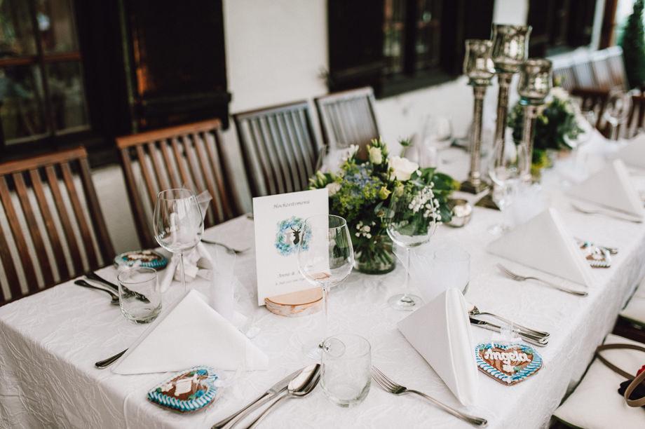 Hochzeit_Tegernsee_Lauraelenaphotography_Lake_Wedding_Freihaus_Brenner_Mountainwedding_Sommerhochzeit_NewYork_Seeblick_060