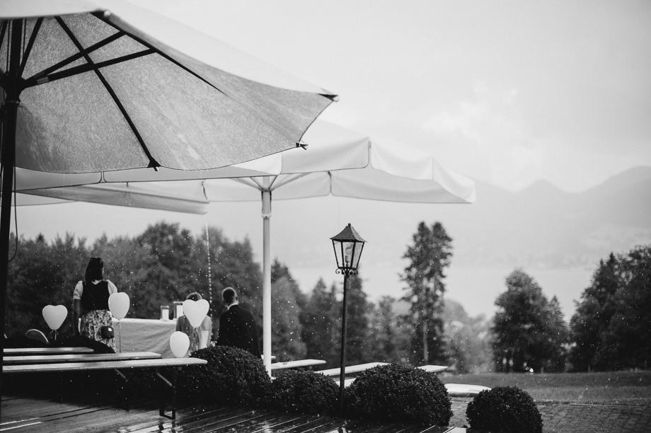 Hochzeit_Tegernsee_Lauraelenaphotography_Lake_Wedding_Freihaus_Brenner_Mountainwedding_Sommerhochzeit_NewYork_Seeblick_069
