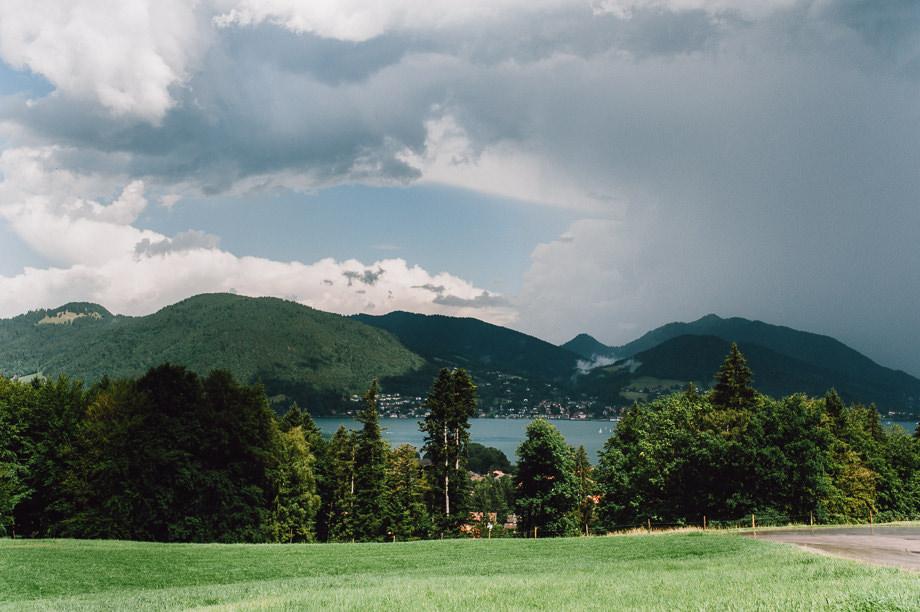 Hochzeit_Tegernsee_Lauraelenaphotography_Lake_Wedding_Freihaus_Brenner_Mountainwedding_Sommerhochzeit_NewYork_Seeblick_070