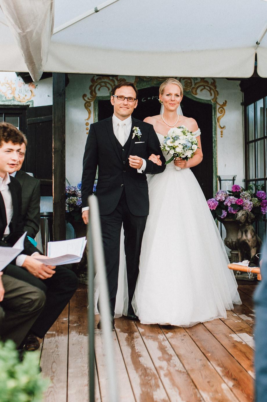Hochzeit_Tegernsee_Lauraelenaphotography_Lake_Wedding_Freihaus_Brenner_Mountainwedding_Sommerhochzeit_NewYork_Seeblick_072