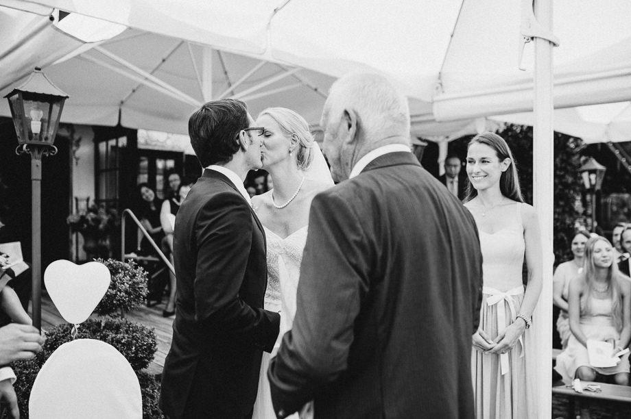 Hochzeit_Tegernsee_Lauraelenaphotography_Lake_Wedding_Freihaus_Brenner_Mountainwedding_Sommerhochzeit_NewYork_Seeblick_079