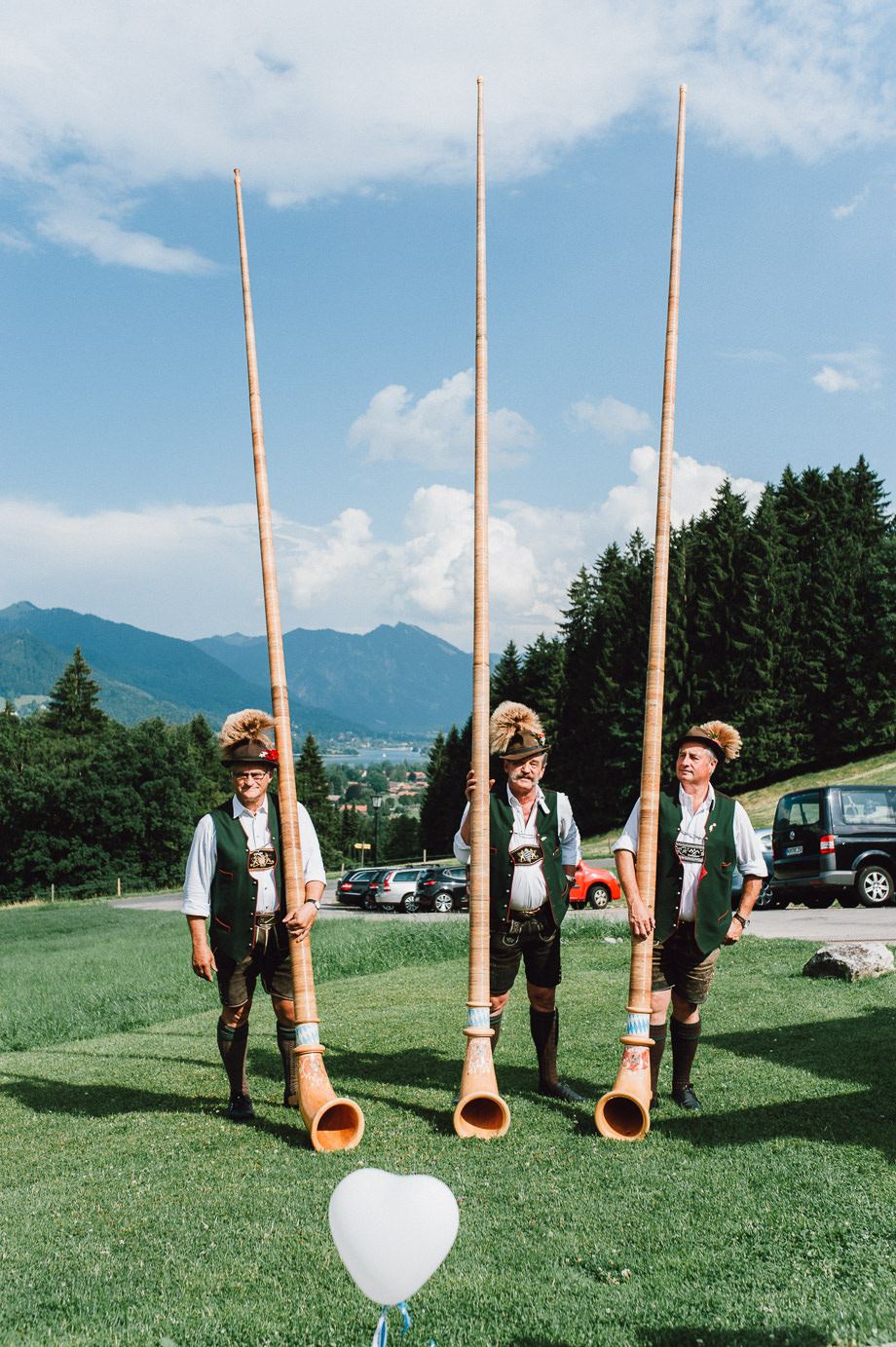 Hochzeit_Tegernsee_Lauraelenaphotography_Lake_Wedding_Freihaus_Brenner_Mountainwedding_Sommerhochzeit_NewYork_Seeblick_096