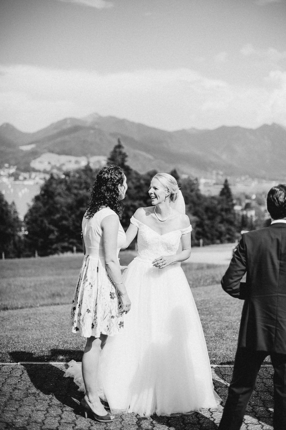 Hochzeit_Tegernsee_Lauraelenaphotography_Lake_Wedding_Freihaus_Brenner_Mountainwedding_Sommerhochzeit_NewYork_Seeblick_098