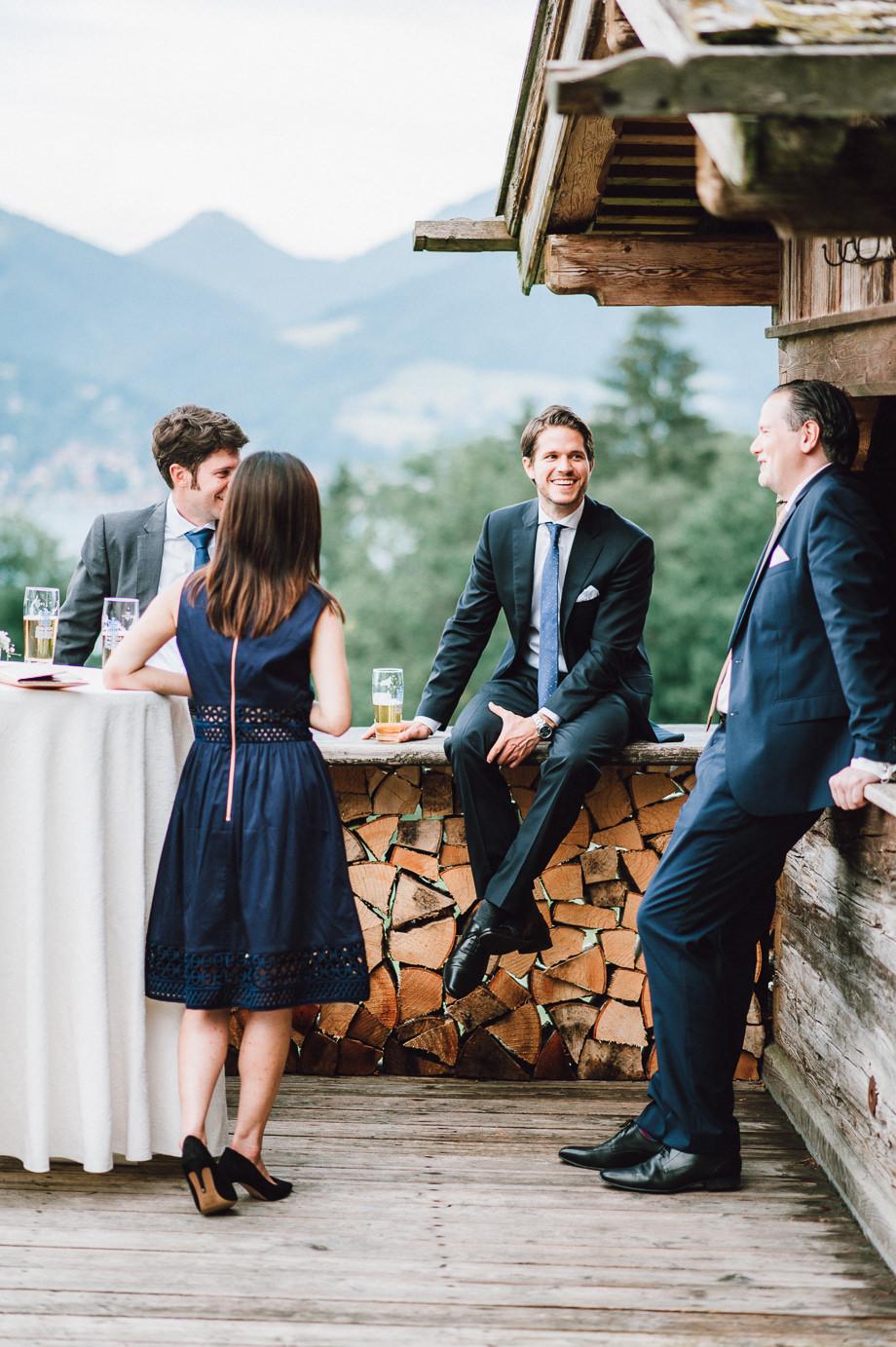 Hochzeit_Tegernsee_Lauraelenaphotography_Lake_Wedding_Freihaus_Brenner_Mountainwedding_Sommerhochzeit_NewYork_Seeblick_100