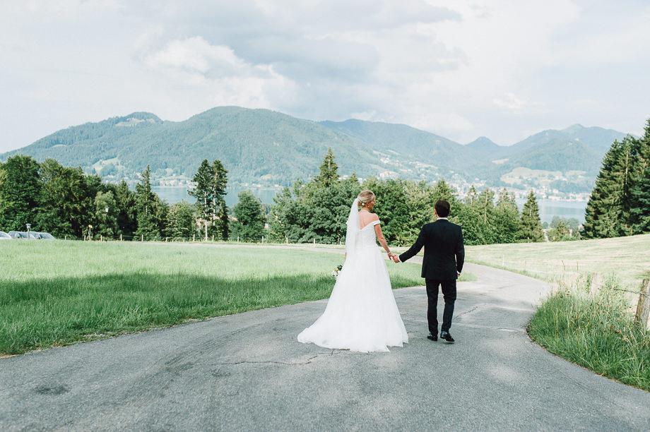 Hochzeit_Tegernsee_Lauraelenaphotography_Lake_Wedding_Freihaus_Brenner_Mountainwedding_Sommerhochzeit_NewYork_Seeblick_101
