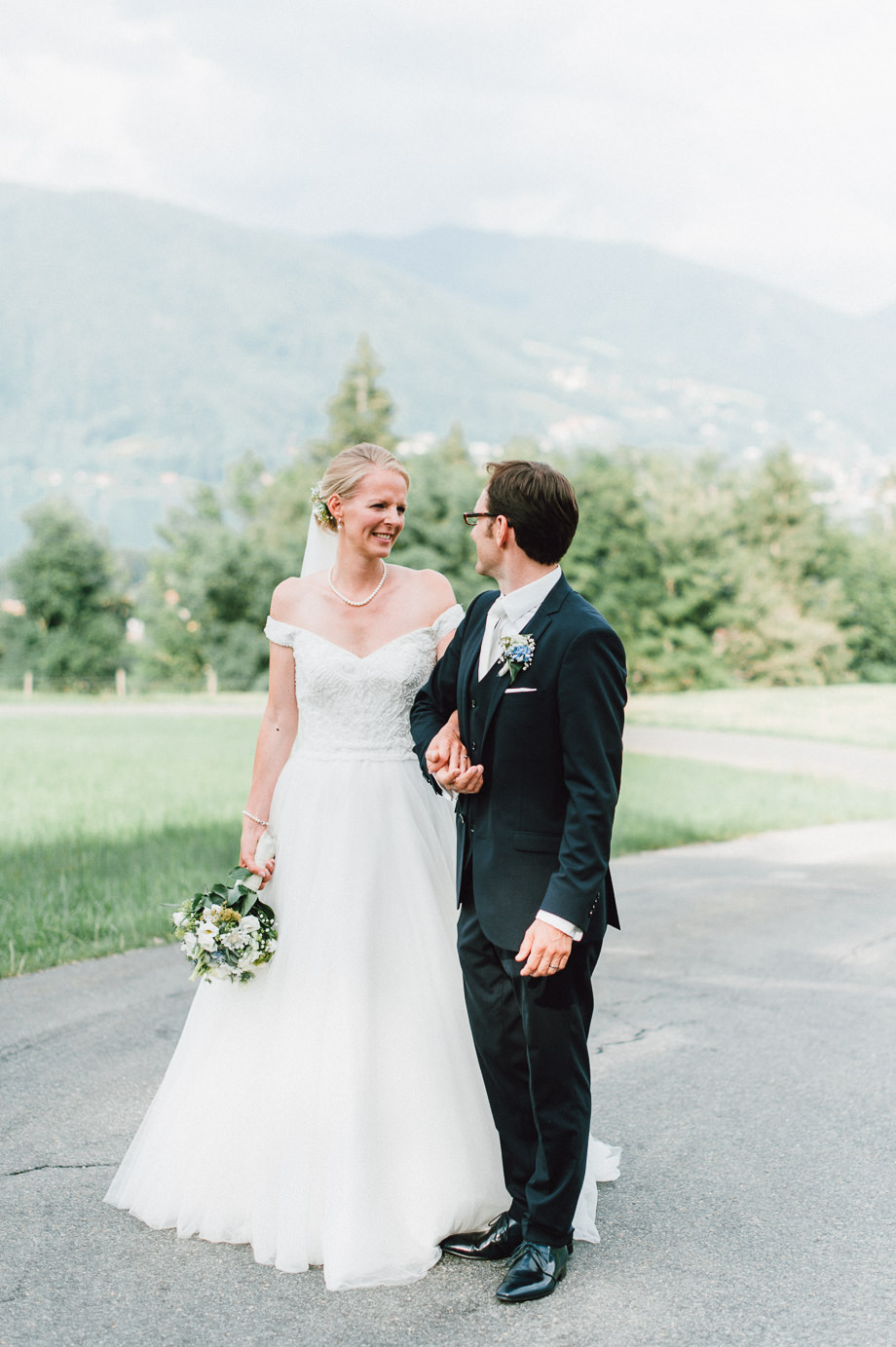 Hochzeit_Tegernsee_Lauraelenaphotography_Lake_Wedding_Freihaus_Brenner_Mountainwedding_Sommerhochzeit_NewYork_Seeblick_104