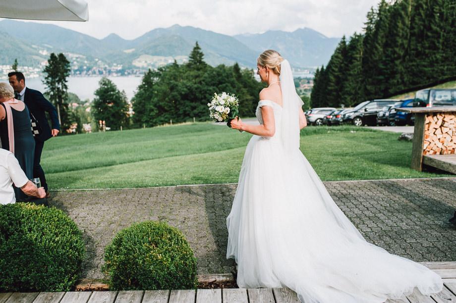Hochzeit_Tegernsee_Lauraelenaphotography_Lake_Wedding_Freihaus_Brenner_Mountainwedding_Sommerhochzeit_NewYork_Seeblick_107