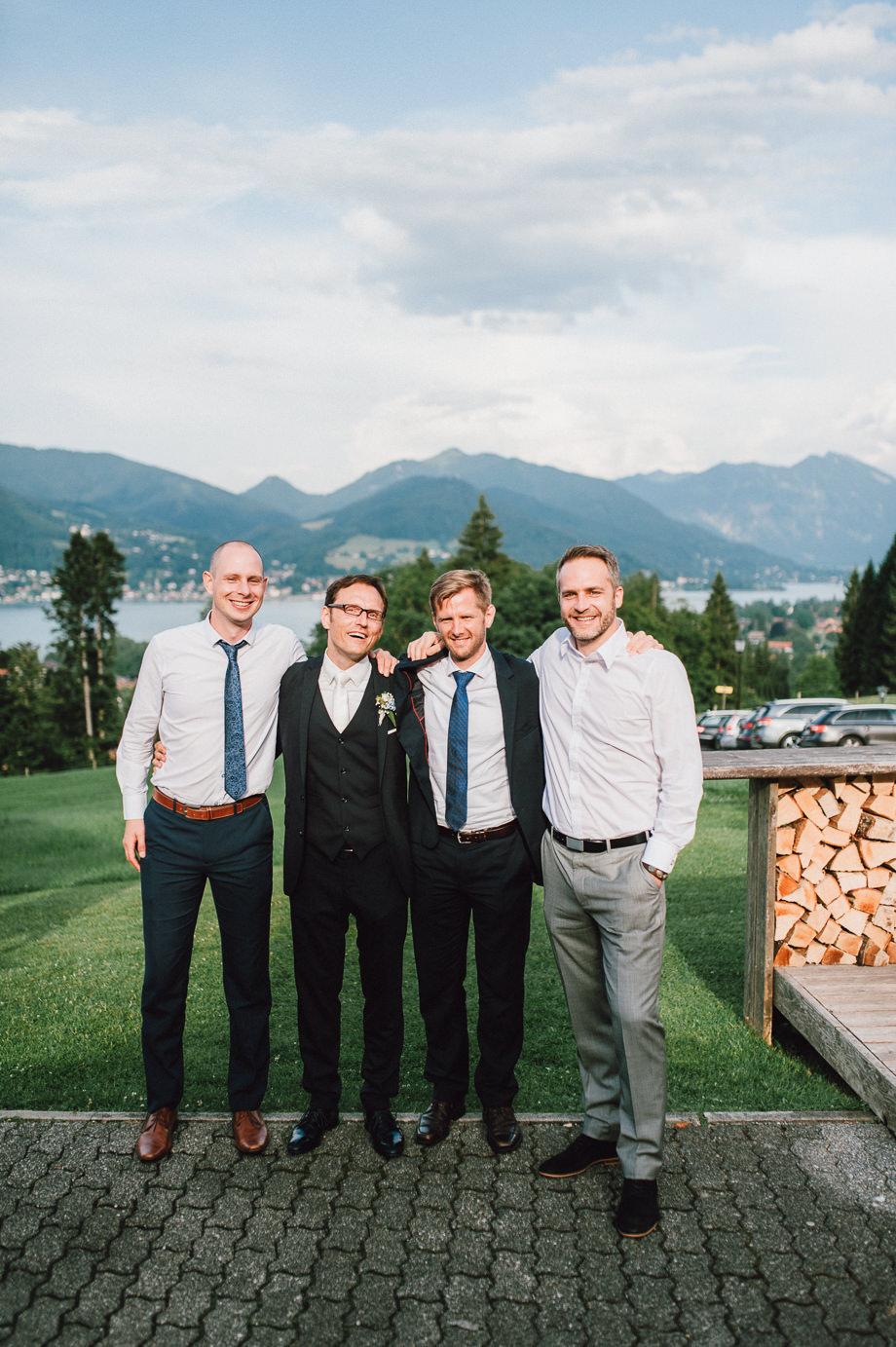 Hochzeit_Tegernsee_Lauraelenaphotography_Lake_Wedding_Freihaus_Brenner_Mountainwedding_Sommerhochzeit_NewYork_Seeblick_108