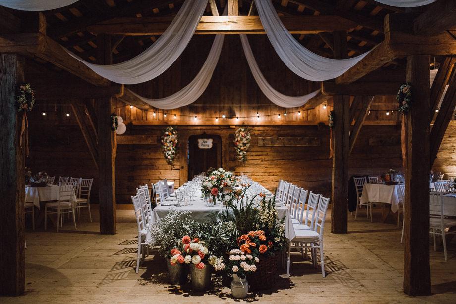 Hochzeit_Boho_Berghochzeit_Bohohochzeit_Elegant_Wasmeier_Museum_Hochzeitsfotograf_Schliersee_Muenchen_LauraElenaPhotography_128.jpg