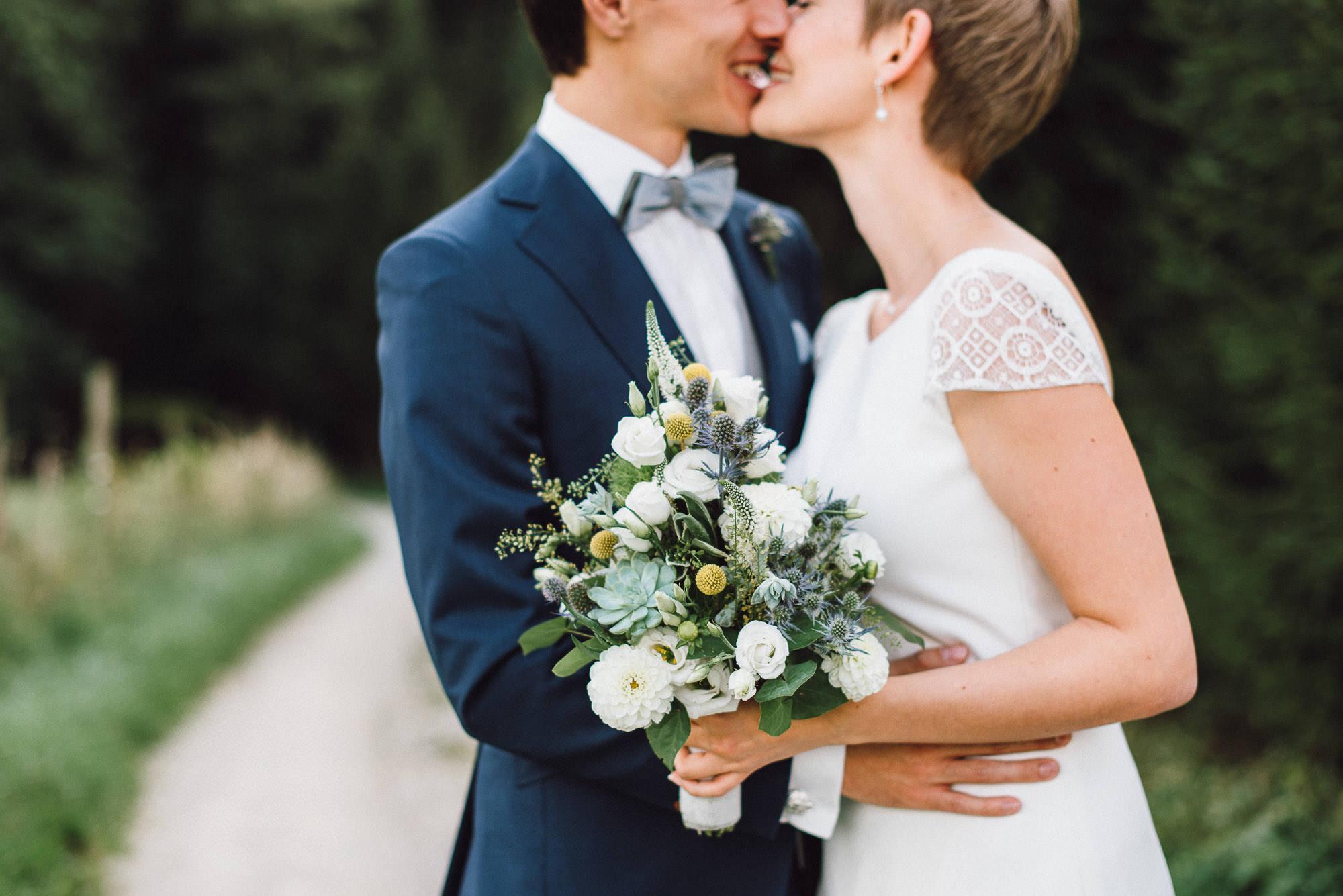 greenery-wedding-hochzeit-prielhof-sukkulenten-scheyern-lauraelenaphotography-022