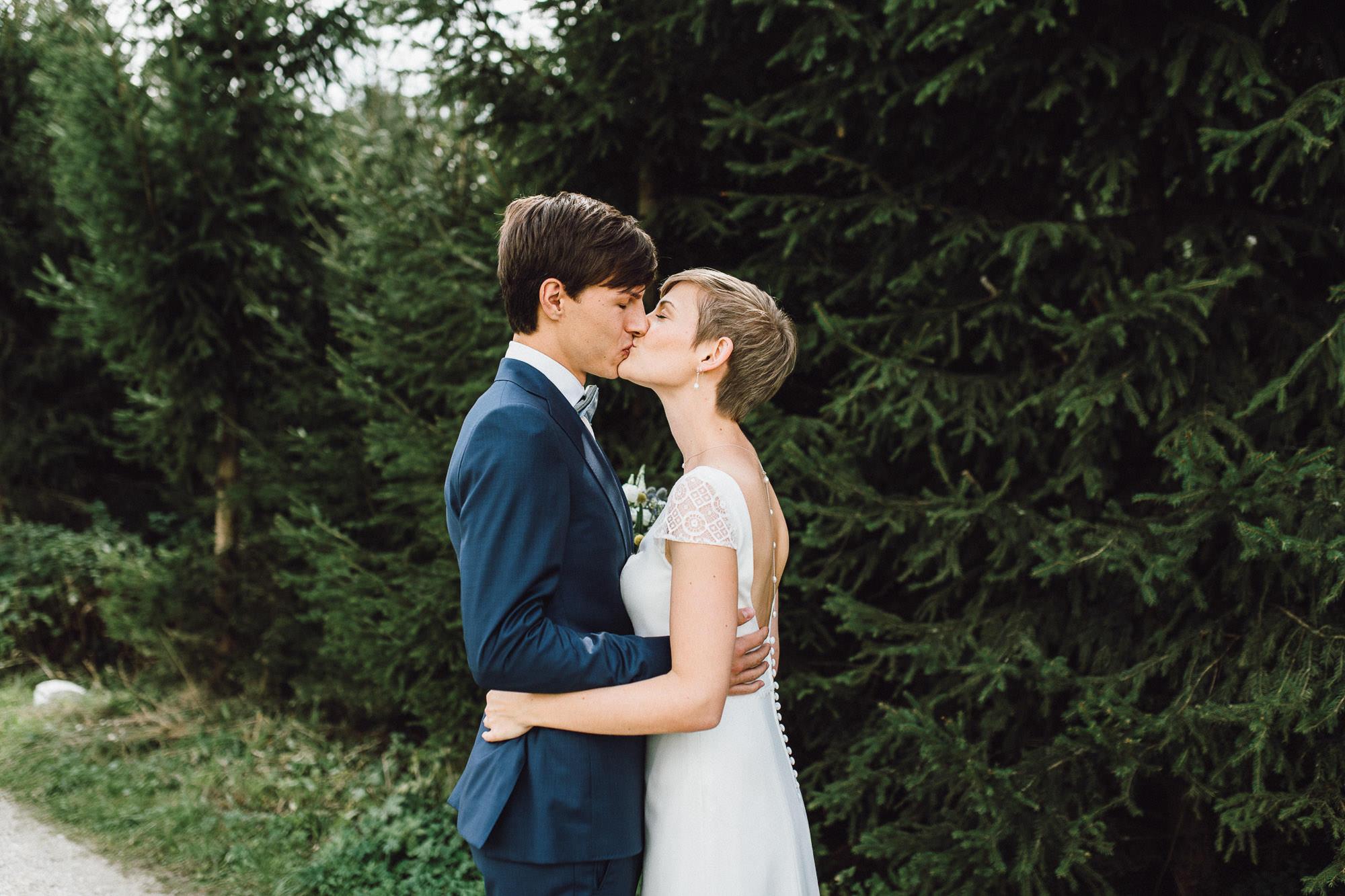 greenery-wedding-hochzeit-prielhof-sukkulenten-scheyern-lauraelenaphotography-024