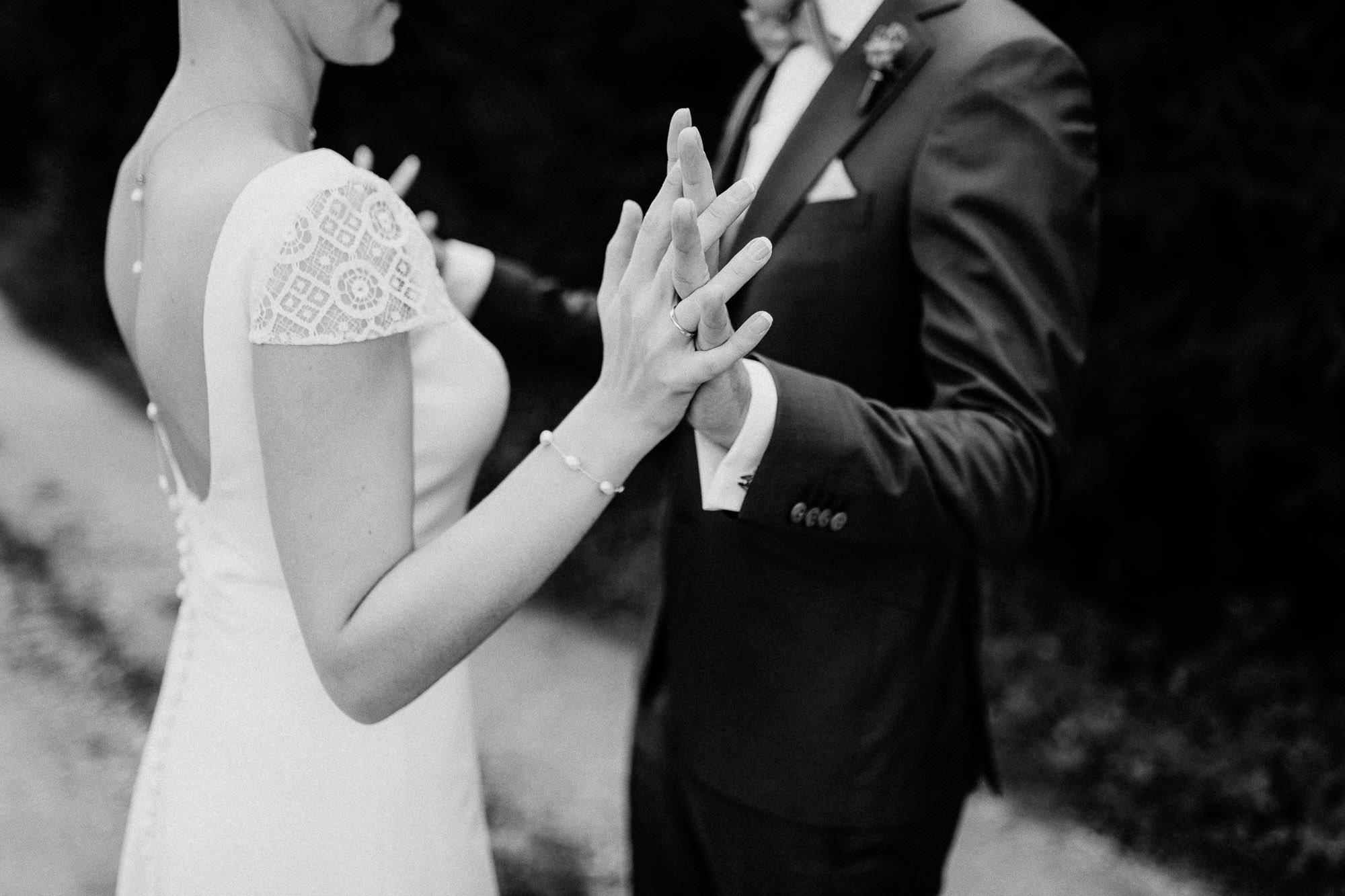 greenery-wedding-hochzeit-prielhof-sukkulenten-scheyern-lauraelenaphotography-029