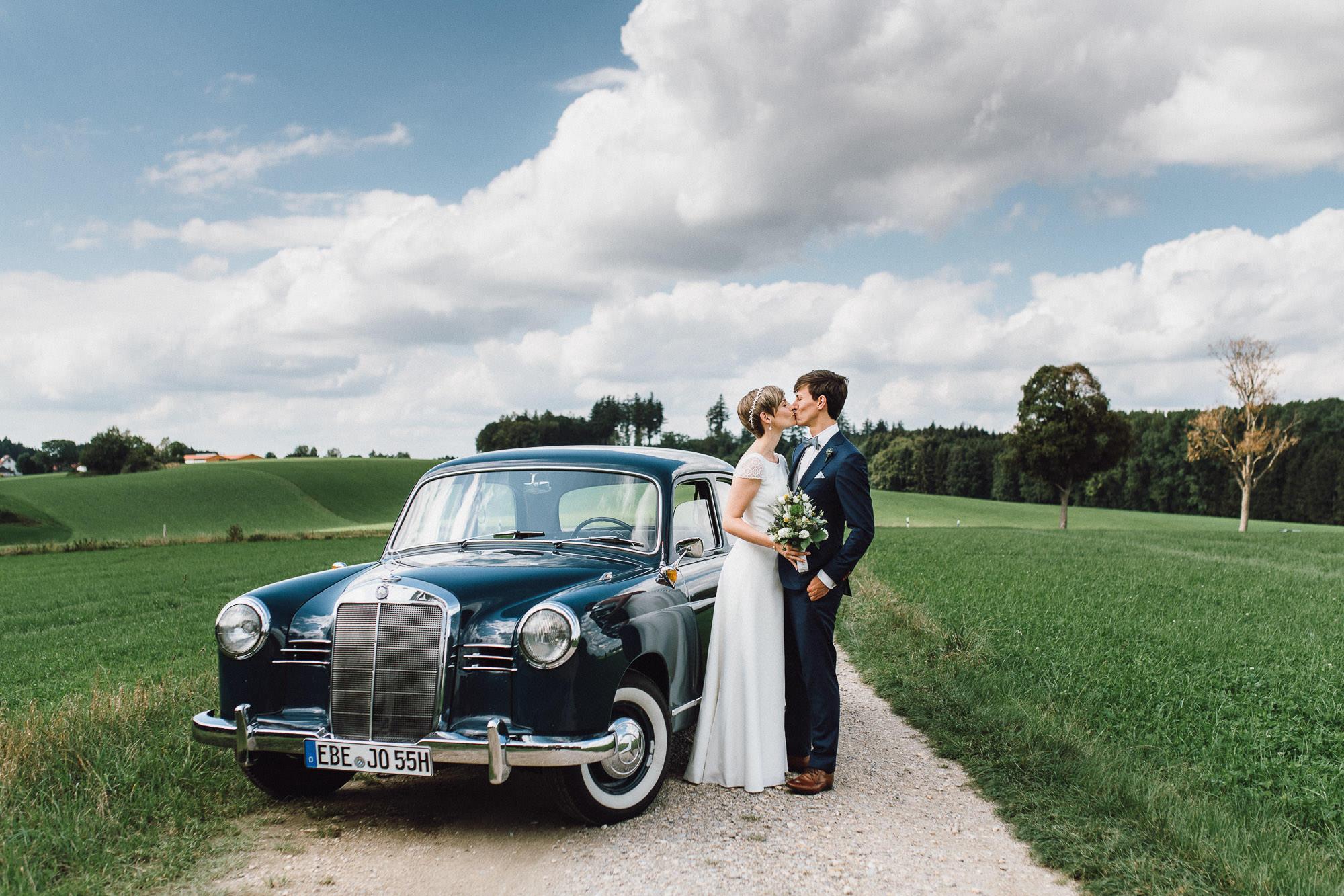 greenery-wedding-hochzeit-prielhof-sukkulenten-scheyern-lauraelenaphotography-035