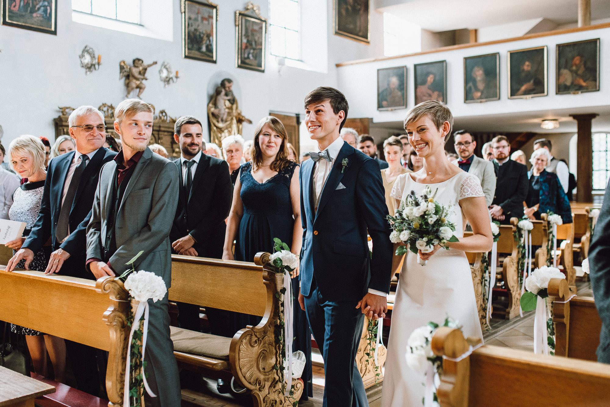 greenery-wedding-hochzeit-prielhof-sukkulenten-scheyern-lauraelenaphotography-038