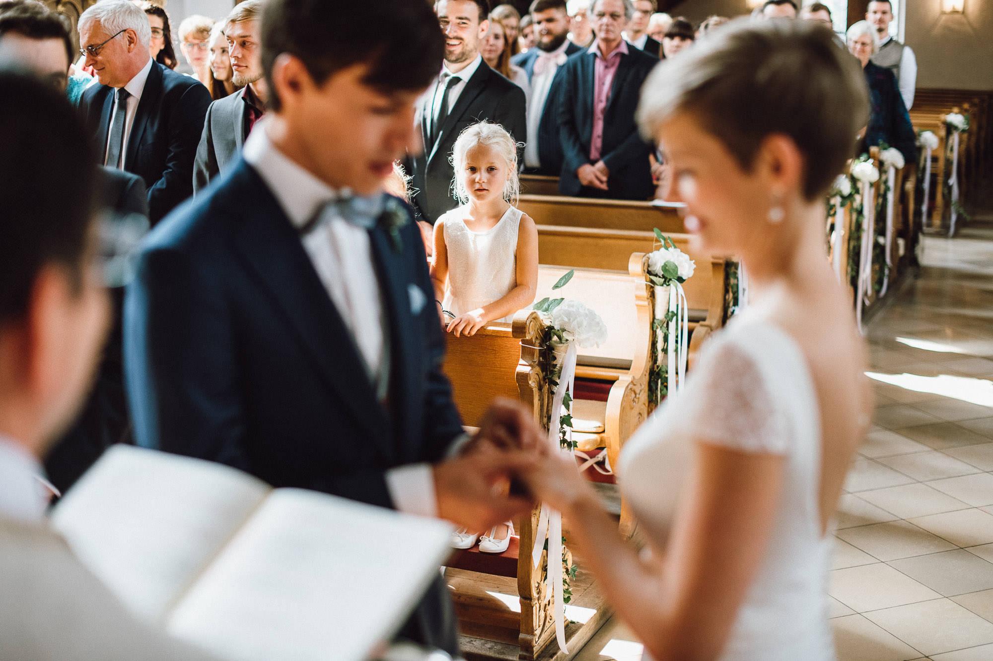 greenery-wedding-hochzeit-prielhof-sukkulenten-scheyern-lauraelenaphotography-044