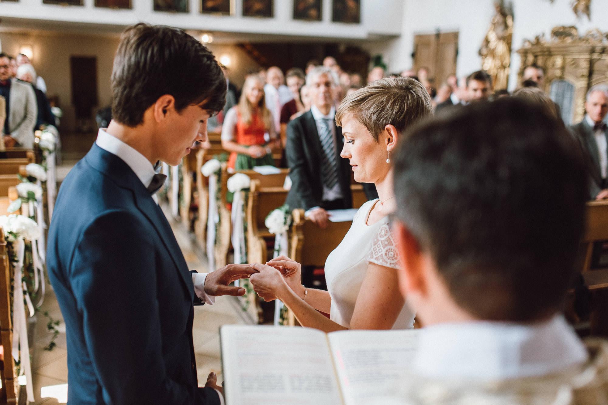 greenery-wedding-hochzeit-prielhof-sukkulenten-scheyern-lauraelenaphotography-046