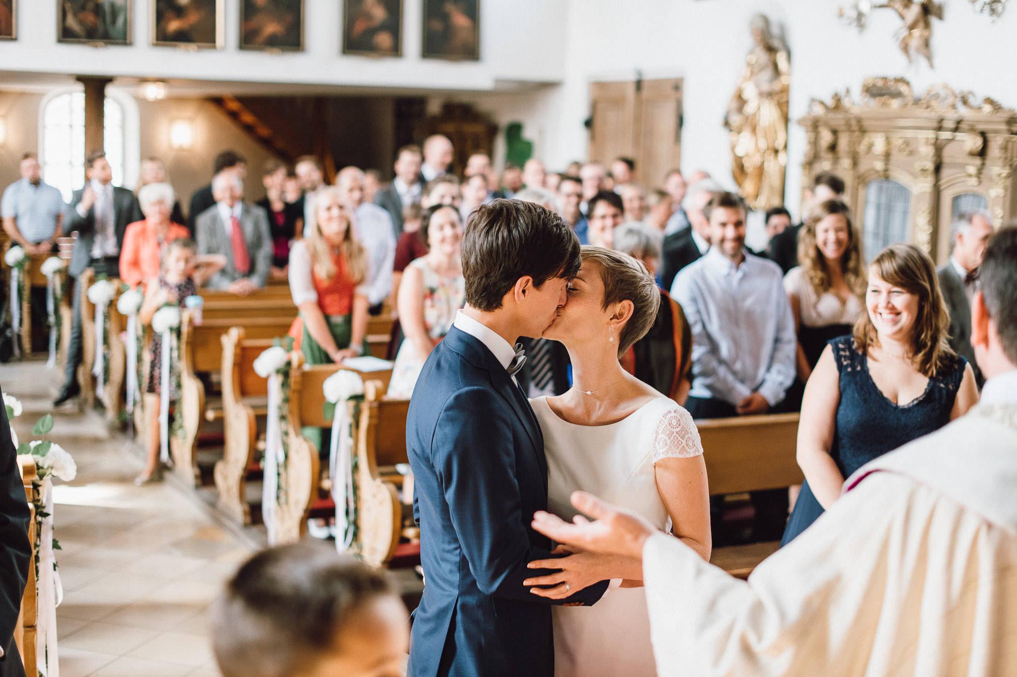 greenery-wedding-hochzeit-prielhof-sukkulenten-scheyern-lauraelenaphotography-050