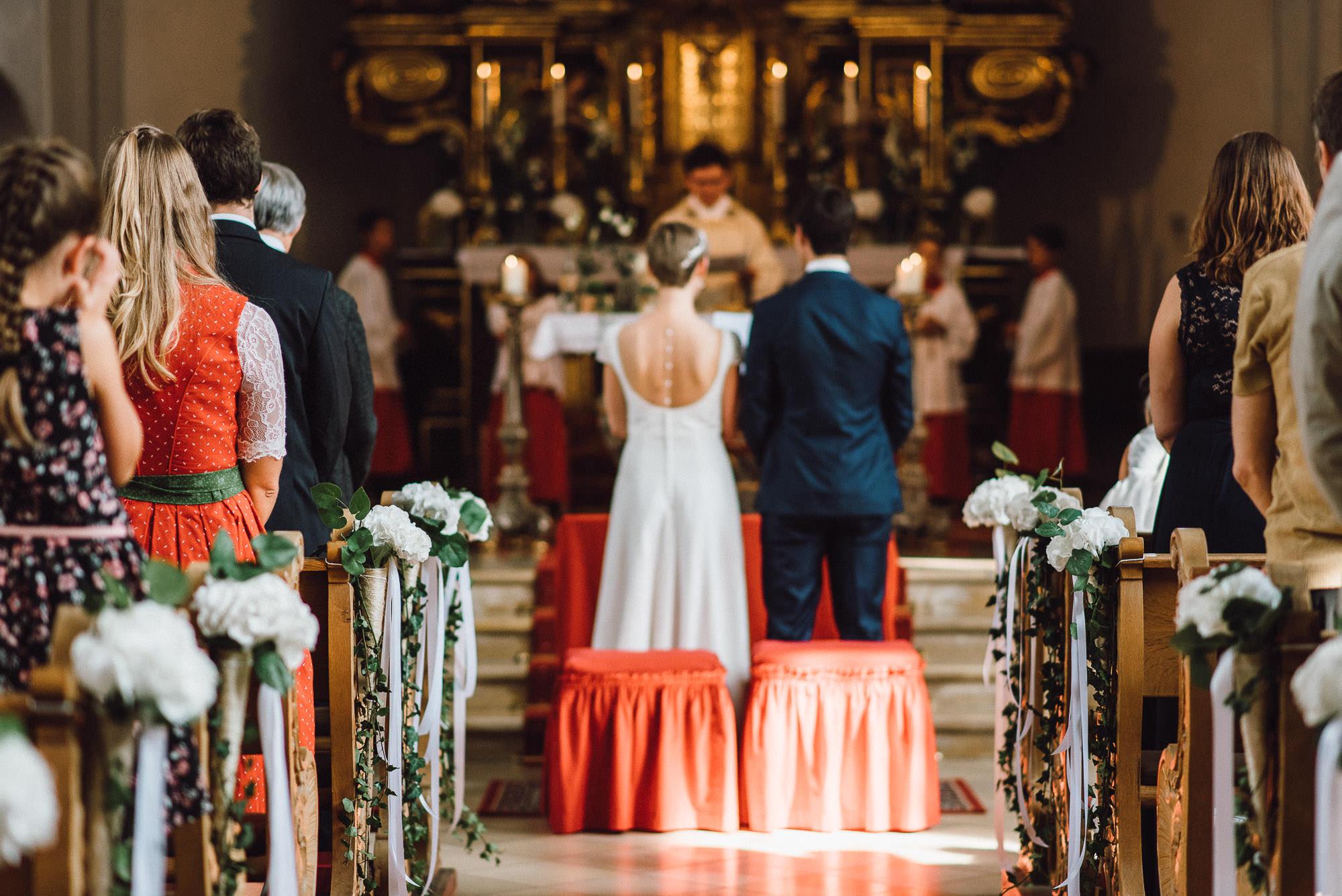 greenery-wedding-hochzeit-prielhof-sukkulenten-scheyern-lauraelenaphotography-051