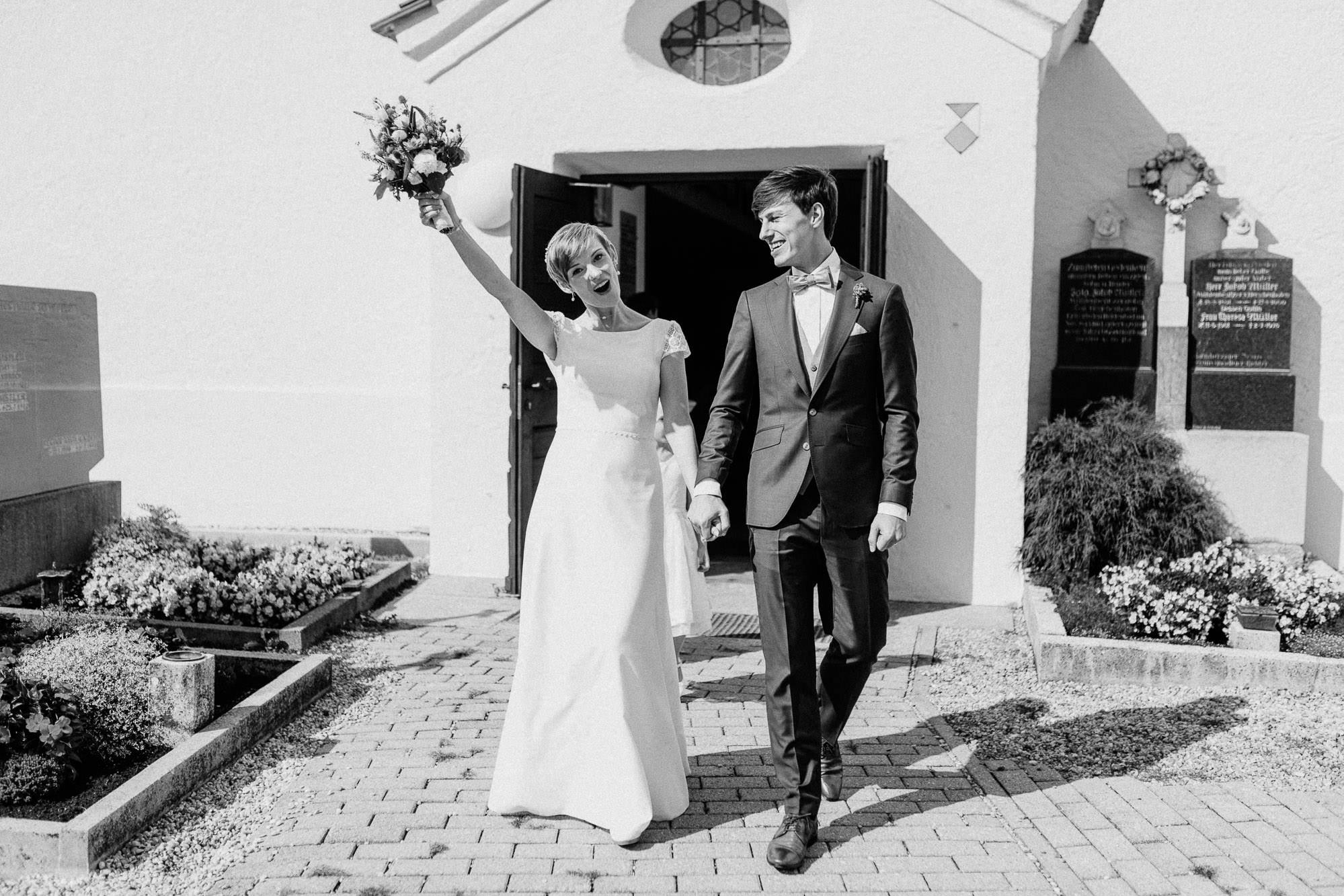 greenery-wedding-hochzeit-prielhof-sukkulenten-scheyern-lauraelenaphotography-053