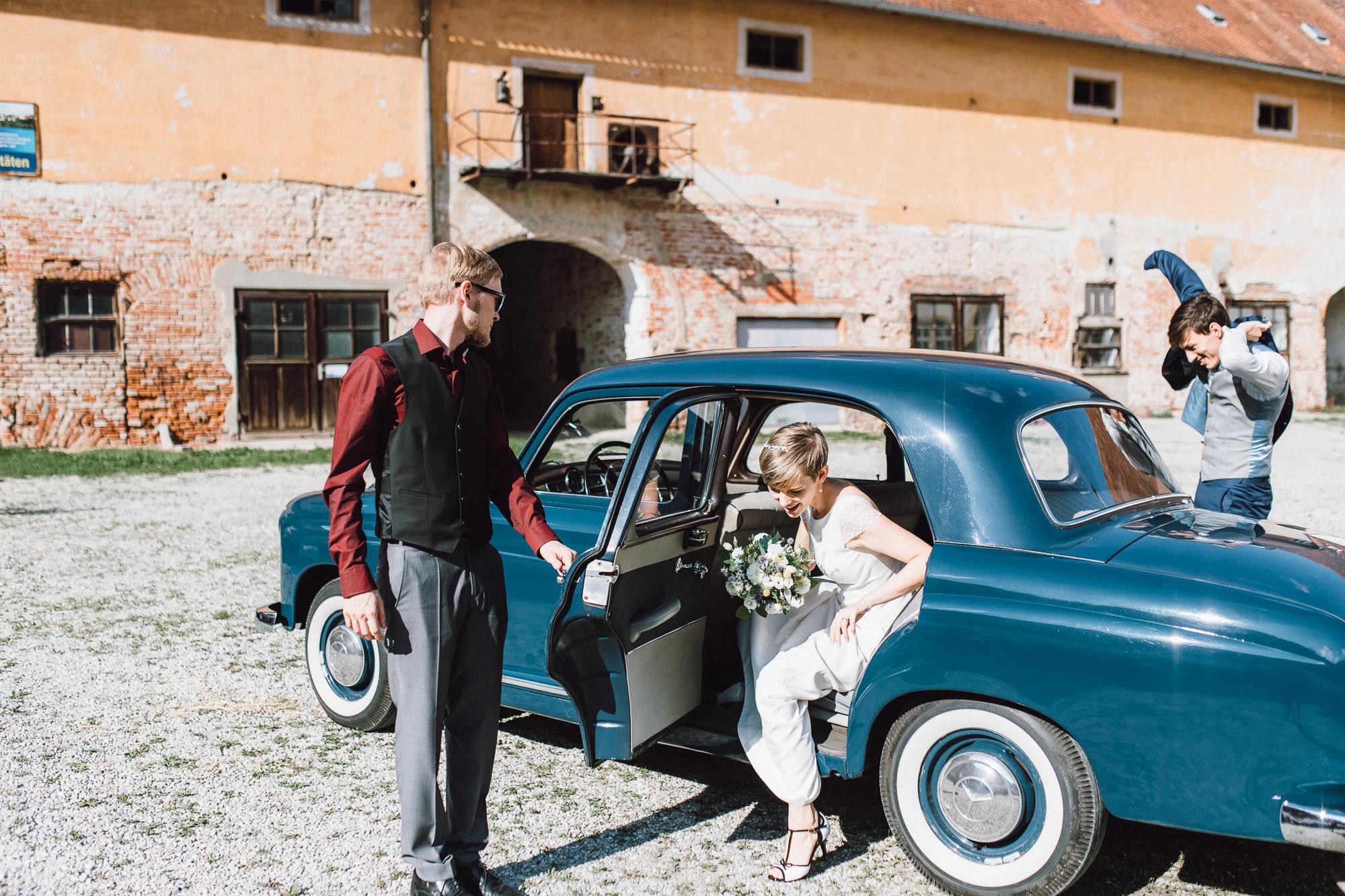 greenery-wedding-hochzeit-prielhof-sukkulenten-scheyern-lauraelenaphotography-063