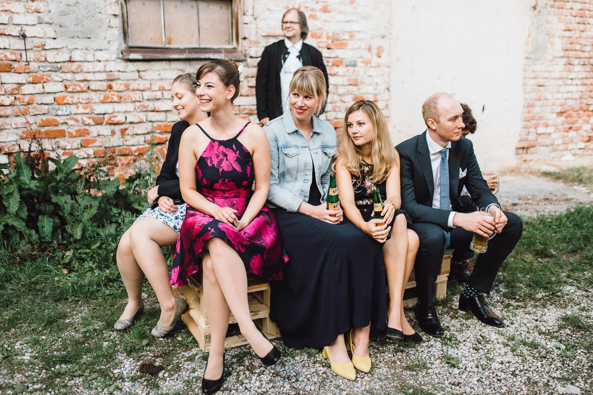 greenery-wedding-hochzeit-prielhof-sukkulenten-scheyern-lauraelenaphotography-069